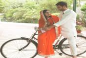 शादी के बाद पत्नी ऐश्वर्या को साइकिल की सैर कराने निकले तेजप्रताप