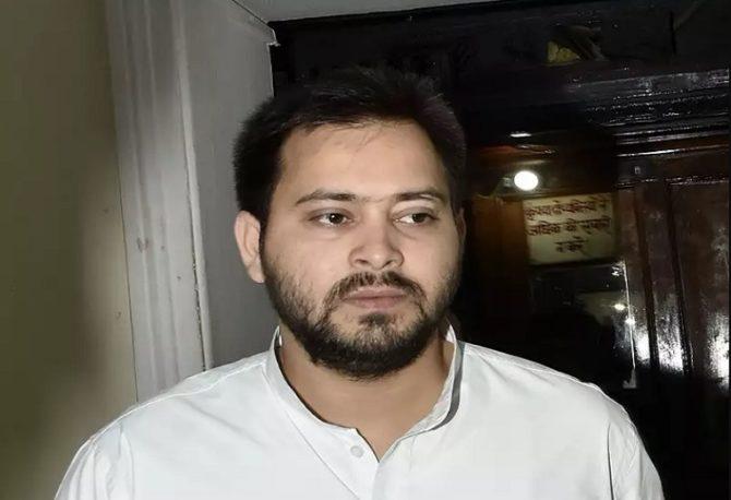 तेजस्वी ने नीतीश पर कसा तंज, पूछा ''क्या फिर पलटी मारने की सोच रहे हैं चाचाजी''
